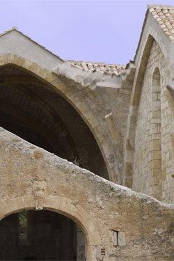 https://www.abbaye-des-monges.com/wp-content/uploads/2018/04/voute-chapelle2-250x375.jpg
